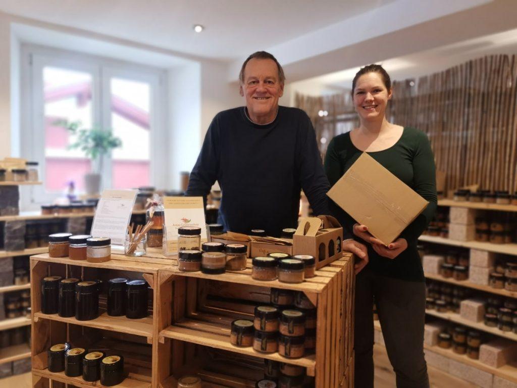Anja und Armin Ender -Partner Paketstation Oberland